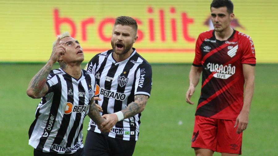 Eduardo Vargas comemora gol do Atlético-MG contra o Athletico-PR no Brasileirão - Fernando Moreno/AGIF