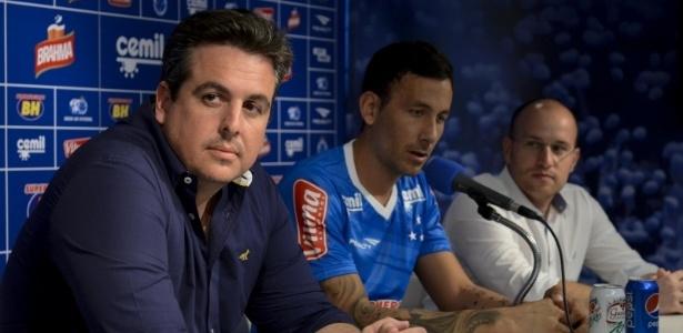 Arial Cabral prolongou seu vínculo com o Cruzeiro até dezembro de 2018
