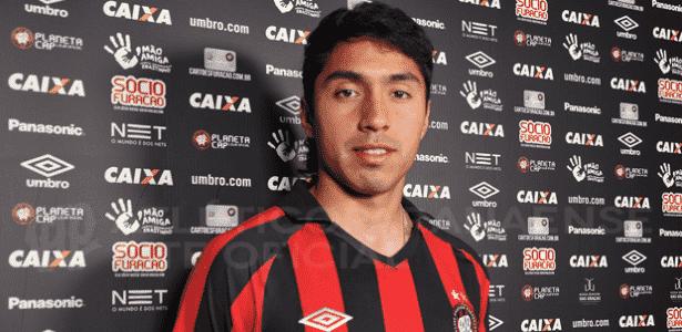 Atlético-PR anuncia revelação argentina de apenas 21 anos para o meio-campo 7a0ddb9c6240d