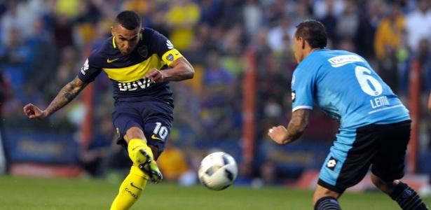 Tevez fez o primeiro gol do Boca Juniors na vitória sobre o Belgrano