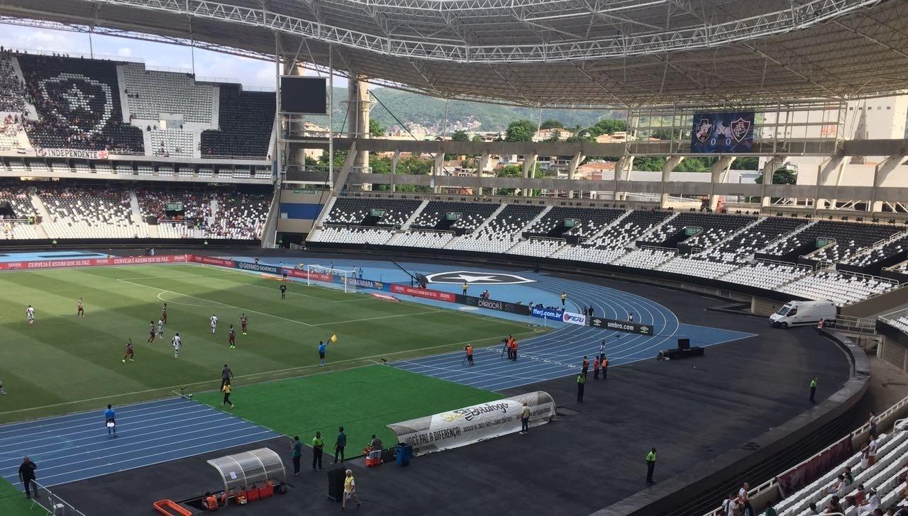 Engenhão no clássico entre Vasco e Fluminense