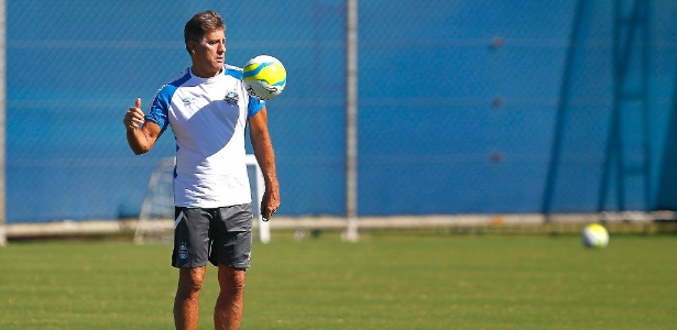 Renato Gaúcho quer que os jogadores do Grêmio gostem de fazer gols