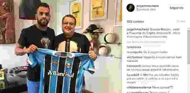 Suposta nova camisa do Grêmio vaza pelo Instagram de empresário - 07 ... 4d5942bce123d