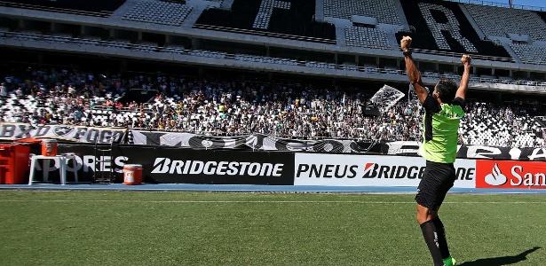 Torcida do Botafogo foi liberada para acompanhar ultimo treino antes de decisão na Libertadores