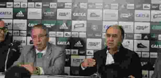 Rogério Bacellar (E) ao lado de Marcelo Oliveira: confiança no novo técnico - Comunicação CFC