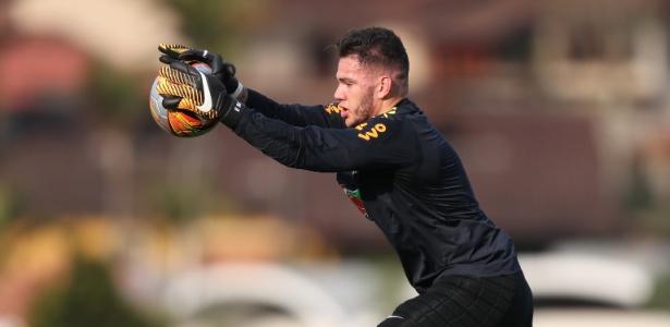 Ederson, de 24 anos, terá oportunidade em jogo duro contra os chilenos