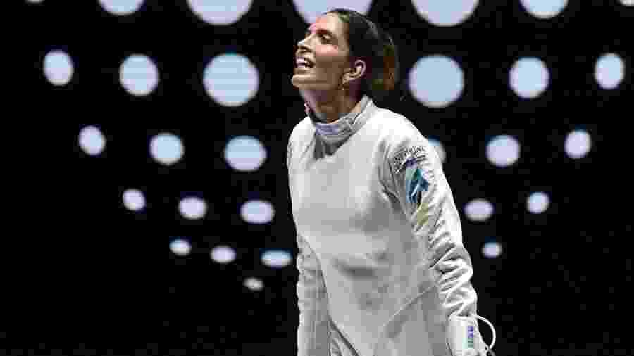Nathalie Moellhausen comemora vitória no Mundial de Esgrima - Simone Ferraro / Bizzi Team