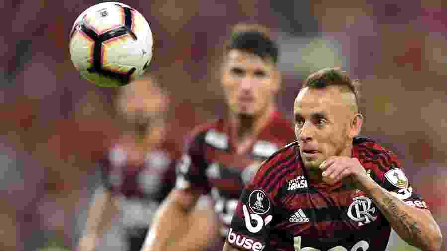 Rafinha, jogador do Flamengo, durante partida contra o Emelec pela Libertadores - Thiago Ribeiro/AGIF