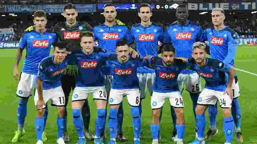 Time do Napoli antes do jogo contra o Salzburg, pela fase de grupo da Liga dos Campeões - Alberto Pizzoli/AFP