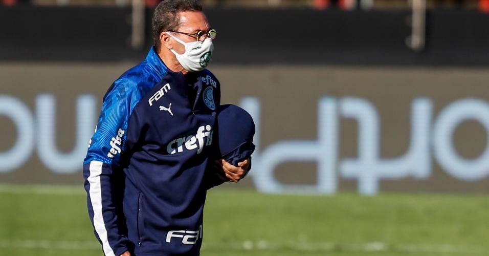 Vanderlei Luxemburgo, técnico do Palmeiras, durante partida contra o Santos no Morumbi