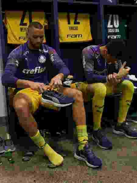 Weverton e Vinicius Silvestre antes do jogo entre Palmeiras x Atlético-GO - Cesar Greco