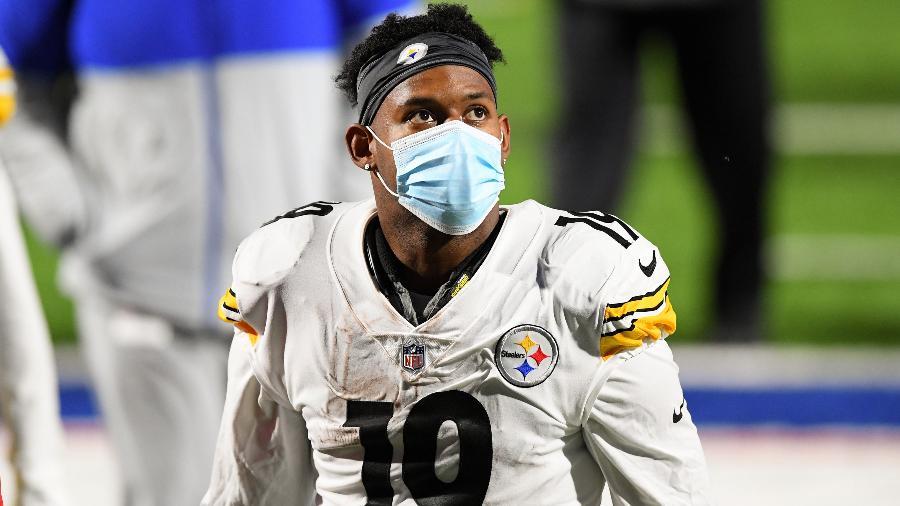 JuJu Smith-Schuster, jogador do Pittsburgh Steelers, após jogo contra o Buffalo Bills  - Rich Barnes/USA TODAY Sports
