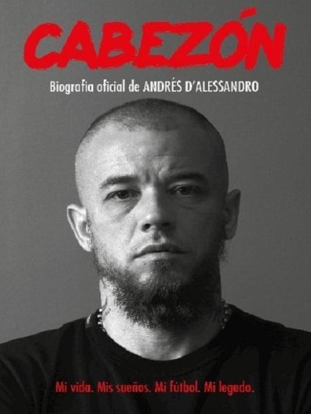 """Capa da biografia oficial de Andrés D""""Alessandro - Reprodução Editoria Aguilar"""