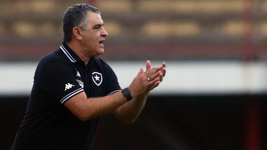Marcelo Chamusca busca o terceiro triunfo consecutivo pela Série B - Vitor Silva/Botafogo