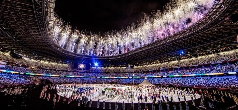 Abertura dos Jogos de Tóquio 2020 no Estádio Nacional: local foi reconstruído por R$ 7,4 bilhões e é símbolo do custo alto da Olimpíada - Miriam Jeske/COB