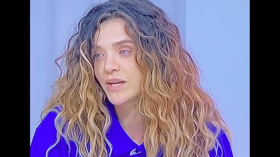 Karen Jonz durante a transmissão da final do Skate Street Feminino - Transmissão