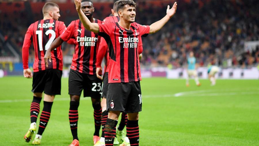 Brahim Diaz comemora um dos gols do Milan contra o Venezia pelo Campeonato Italiano - REUTERS