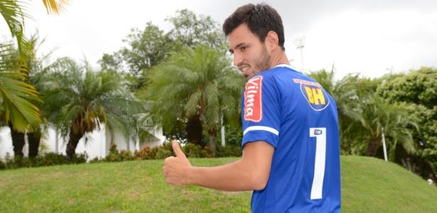 Gringo que herdou camisa 7 exalta tradição do Cruzeiro