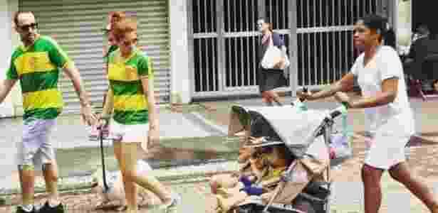 Vice do Flamengo foi a protesto contra Dilma com a babá de seus filhos  - Reprodução/Facebook