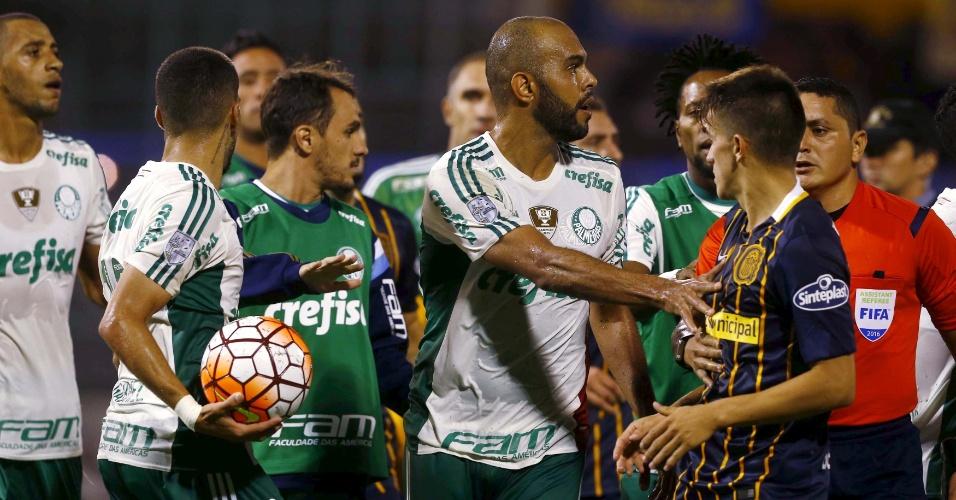 Clima esquenta entre jogadores de Palmeiras e Rosario Central pela Libertadores