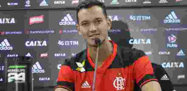 Réver é um dos jogadores pendurados do Flamengo  - Gilvan de Souza/ Flamengo