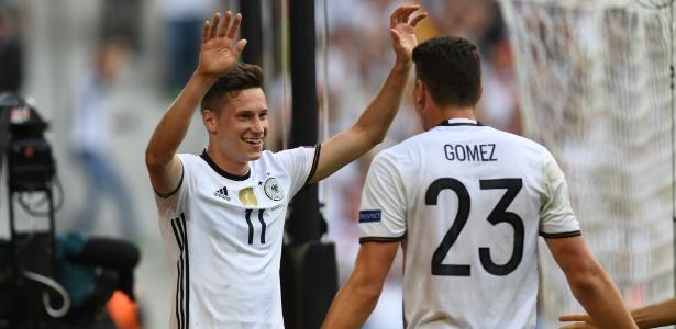 Draxler comemora o gol marcado pela Alemanha contra a Eslováquia