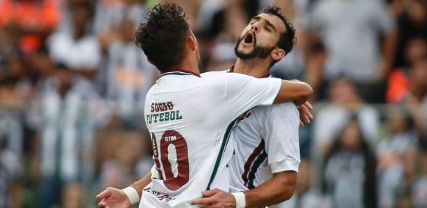 """Artilheiro Henrique Dourado, o """"Ceifador"""", celebra seu gol contra o Atlético-MG - Thomás Santos/AGIF"""