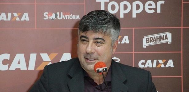 Gallo também exaltou a história do clube e a relação com Petkovic, que foi seu jogador em 2008