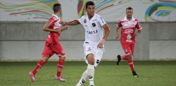 Jonathan, com 16 anos, é disputado pro Inter e Grêmio após bons jogos no ABC-RN