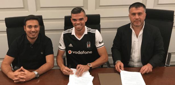 Pepe foi apresentado nesta quarta-feira como novo jogador do Besiktas