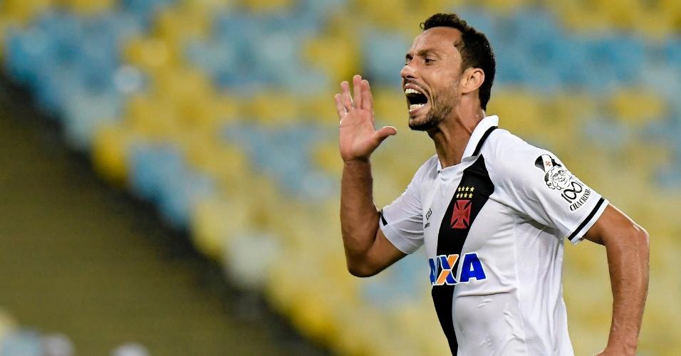 Nenê comemora seu gol no clássico entre Vasco e Botafogo