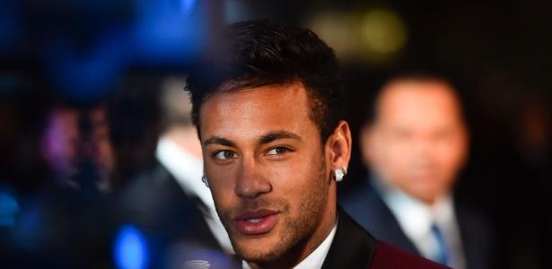 Neymar durante o prêmio de melhor jogador do mundo - GLYN KIRK/AFP
