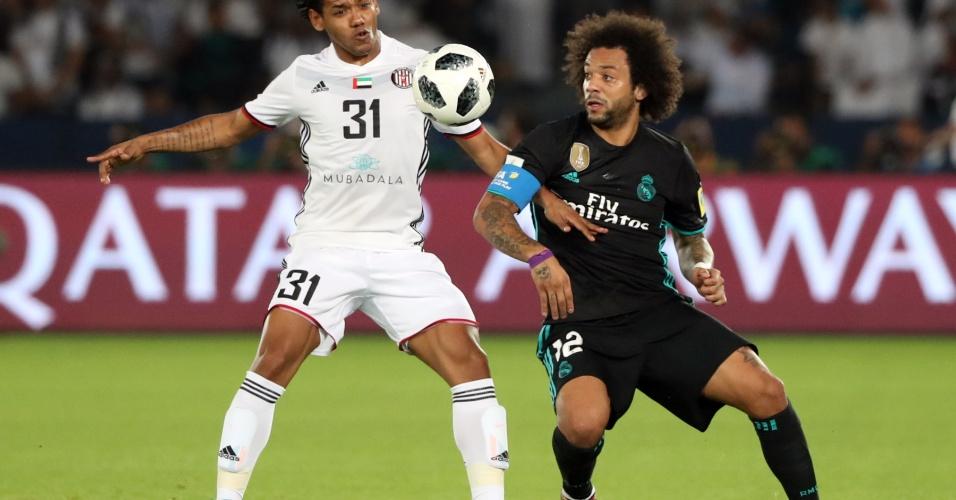Romarinho é marcado por Marcelo na semifinal do Mundial de Clubes