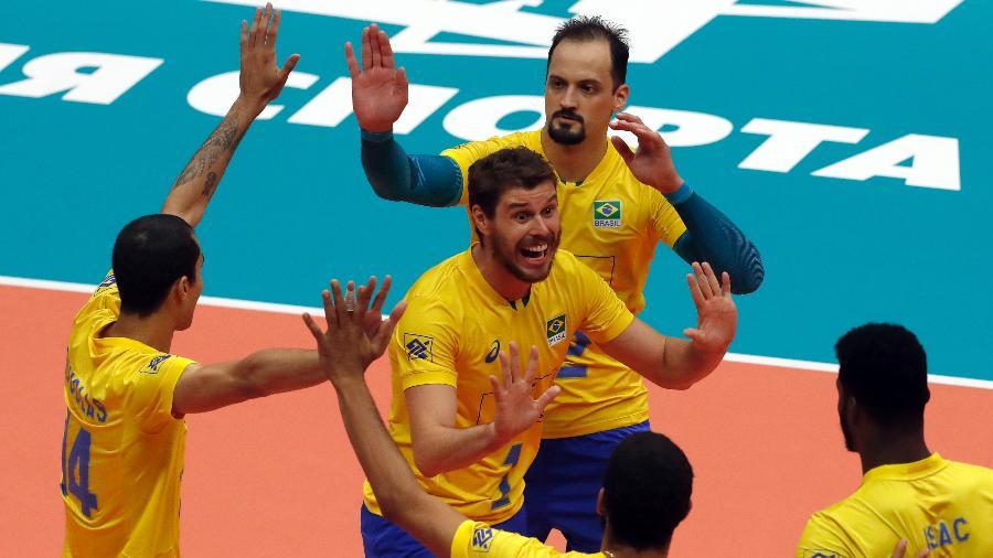 8f9cbfe0b72ce Brasil reage no tie-break