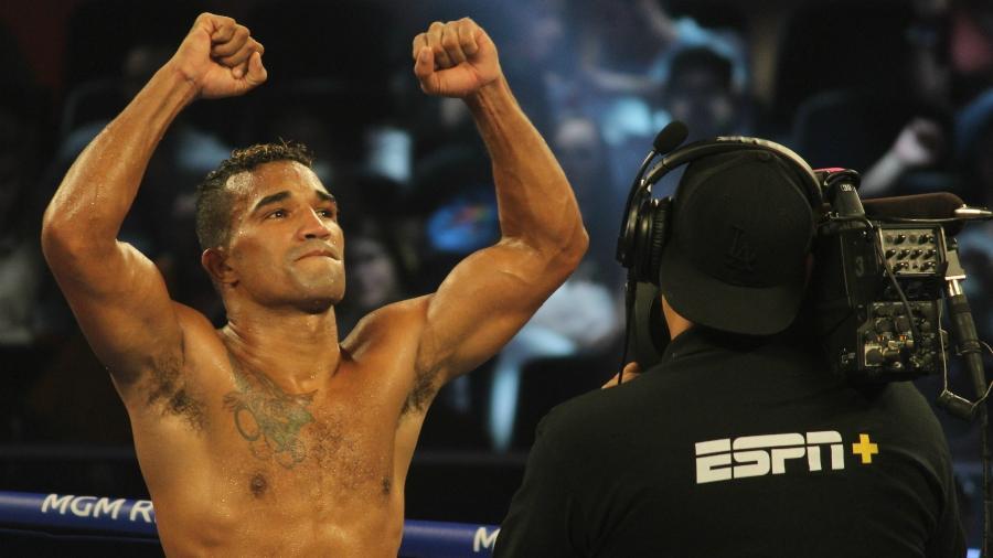 Esquiva Falcão comemora vitória sobre o argentino Guido Pitto, em Las Vegas - Diego Ribas/ Ag Fight