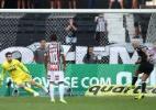 Fábio Santos perde primeiro pênalti no Atlético e assume culpa por derrota - REUTERS/Pilar Olivares