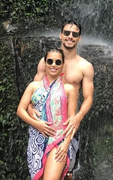 Rodrigo Caio está com a mulher e a família em Ilhabela, litoral norte de São Paulo