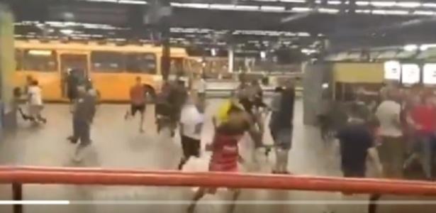 """Confusão no terminal de ônibus após """"Atletiba da Torcida Humana"""" - Reprodução/Twitter"""