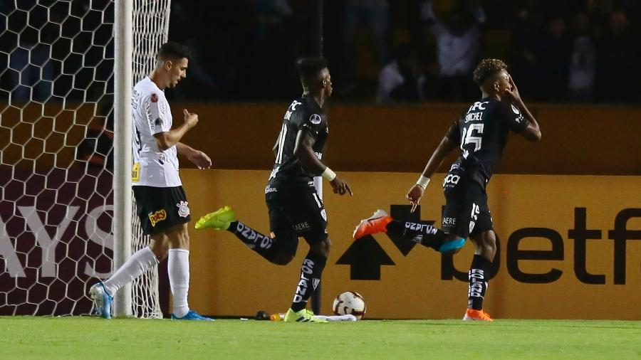 Jhon Sanchez, do Independiente del Valle, comemora gol contra o Corinthians pela Copa Sul-Americana - Franklin Jacome/Getty Images