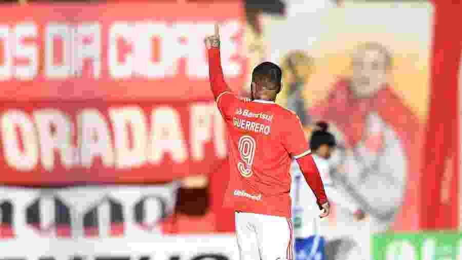 Guerrero é comandante de ataque do Internacional contra o Coritiba no Brasileiro - Ricardo Duarte/Inter