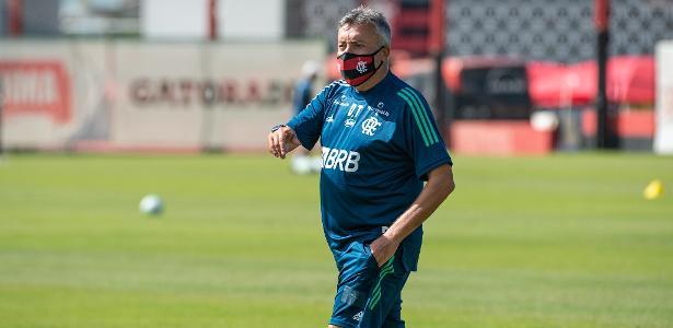 Domènec é regularizado na CBF e pode estrear pelo Flamengo no domingo