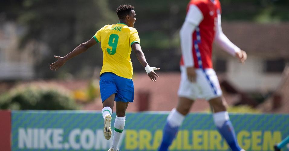 Cauê comemora gol que deu título à seleção brasileira sub-20