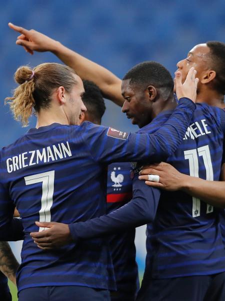 Griezmann e Dembélé comemoram com o resto da seleção da França - Vasily Fedosenko/Reuters