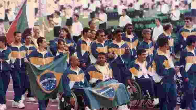 Delegação brasileira na abertura dos Jogos Paralímpicos de Barcelona-1992 - Comitê Paralímpico Brasileiro - Comitê Paralímpico Brasileiro