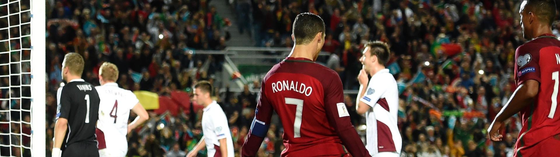Portugal vence a Letônia com dois gols de Cristiano Ronaldo