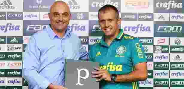 Maurício Galiotte apresenta o técnico Eduardo Baptista na Academia de Futebol do Palmeiras - Palmeiras/Divulgação