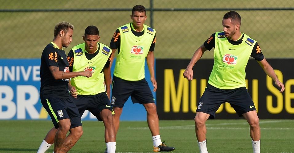 Neymar em atuação no treino da seleção brasileira na Granja Comary