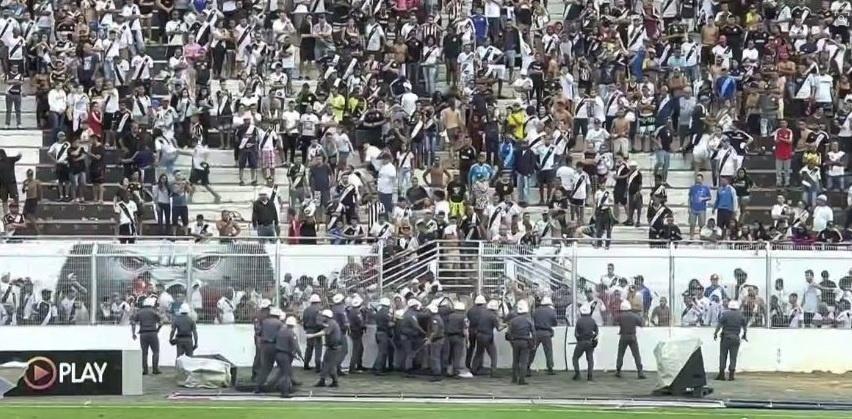 Polícia Militar fecha o cerco contra torcedores da Ponte Preta em Campinas