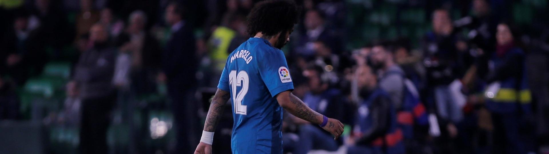 Marcelo sente uma lesão na coxa direita e é substituído ainda no 1º tempo
