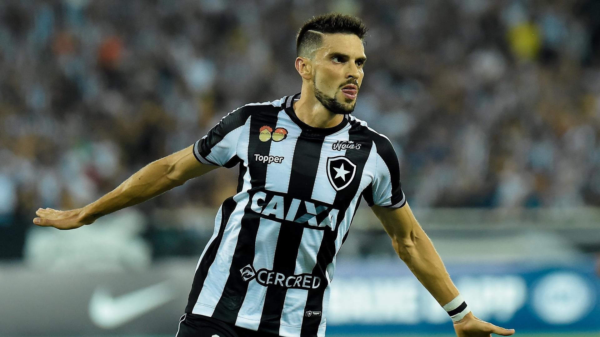 Rodrigo Pimpão comemora gol do Botafogo contra o Bahia